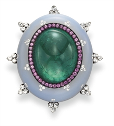 AN EMERALD, CHALCEDONY, DIAMON