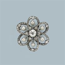 AN ANTIQUE NATURAL PEARL AND DIAMOND BROOCH
