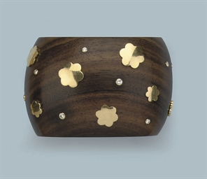 A WOOD AND DIAMOND CUFF BANGLE