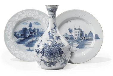 AN ENGLISH DELFTWARE BLUE AND