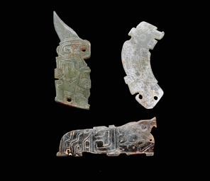 THREE JADE ZOOMORPHIC PENDANTS