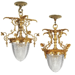A SET OF EIGHT FRENCH ORMOLU A