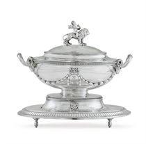 A FINE GEORGE III SILVER SOUP TUREEN