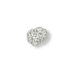 A DIAMOND RING, BY CHAUMET