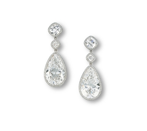 A PAIR OF ELEGANT DIAMOND EAR