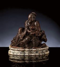 AN EXQUISITE BAMBOO CARVING OF