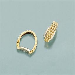 A pair of cufflinks, by Van Cl