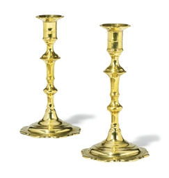A PAIR OF GEORGE II BRASS EJEC