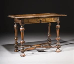 TABLE DE STYLE LOUIS XIV DE LA