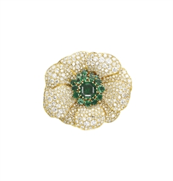 AN EMERALD AND DIAMOND 'PAVOT'