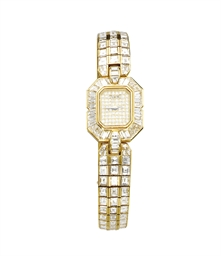 A LADY'S GOLD AND DIAMOND WRIS