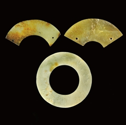 TWO CELADON AND RUSSET SEGMENT