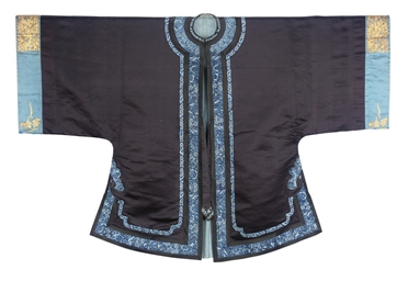 A NAVY BLUE SILK ROBE, HAN STY