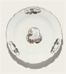 A MEISSEN PORCELAIN SHAPED CIR