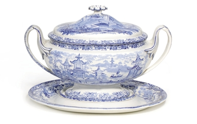 A WEDGWOOD PEARLWARE BLUE AND