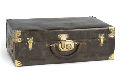 A RARE EARLY SUITCASE