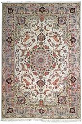 A fine part slik Tabriz carpet