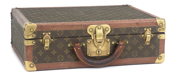 A MONOGRAM 'COTTEVILLE' CASE