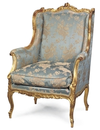 A CARVED GILT GILTWOOD BERGERE