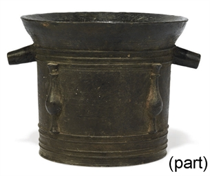 AN ITALIAN BRONZE MORTAR