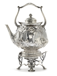 AN EDWARDIAN ART NOUVEAU SILVE