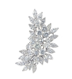 A DIAMOND AND PLATINUM BROOCH