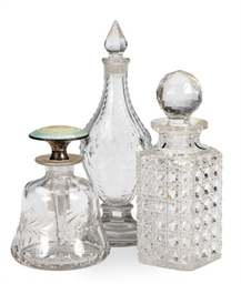 A LARGE GROUP OF GLASS SCENT B