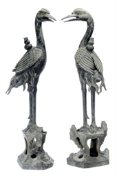 A PAIR OF CHINESE BRONZE CRANE