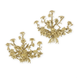 A PAIR OF GILT-BRONZE EIGHT-BR