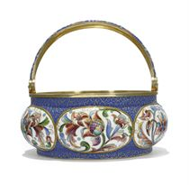 A RUSSIAN SILVER-GILT AND CLOISONNÉ ENAMEL SWING-HANDLED SUGAR BASKET
