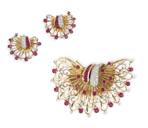 A SET OF RETRO RUBY, DIAMOND AND GOLD JEWELRY