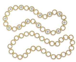 A SET OF DIAMOND AND GOLD NECK