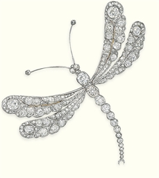 AN ANTIQUE DIAMOND DRAGONFLY B