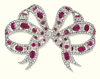 AN ELEGANT EDWARDIAN RUBY AND