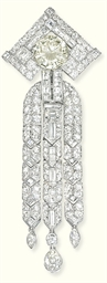 AN ART DECO DIAMOND PENDANT/BR