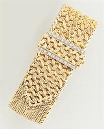 A French diamond set strap bra