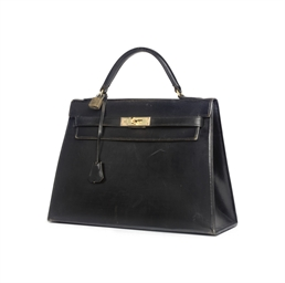A BLACK, BOX CALF 'KELLY' BAG