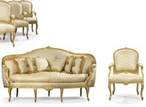 A LATE LOUIS XV SUITE OF GILTWOOD SEAT FURNITURE