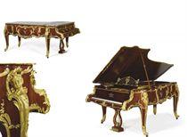A FRENCH ORMOLU-MOUNTED MAHOGANY PIANO A QUEUE
