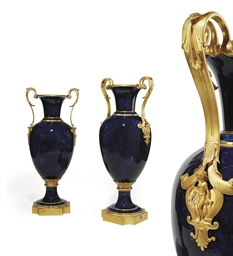 A PAIR OF MONUMENTAL ORMOLU-MO