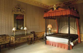 lit a baldaquin de style anglais european furniture works of art auction christie 39 s. Black Bedroom Furniture Sets. Home Design Ideas