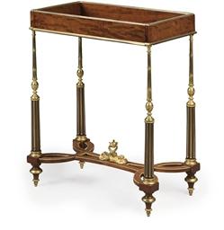 TABLE A OUVRAGE DE STYLE LOUIS