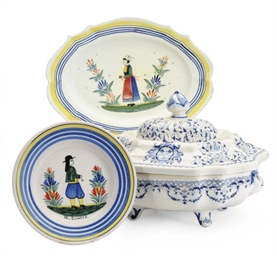 A FRENCH FAIENCE ARMORIAL BLUE