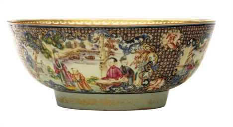 A CHINESE EXPORT PORCELAIN MANDARIN PALETTE PUNCH BOWL,