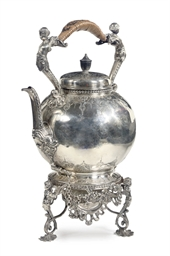 An English silver hot-waterket