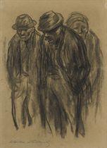 Zwei stehende Männer, dahinter eine stehende Frau