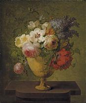 Roses, lilas et autres fleurs dans un vase