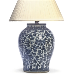 A CHINESE BLUE AND WHITE LAMP