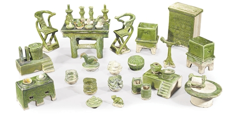 A SET OF CHINESE GREEN-GLAZED