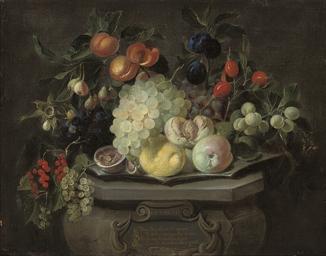 A lemon, an apple, grapes, ber